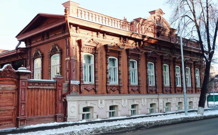 dom-v.-p.-burkova-700x435