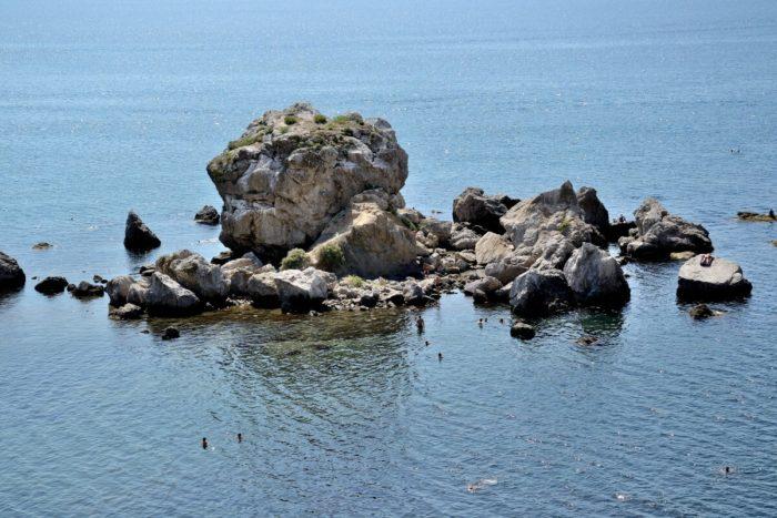 krabiy-ostrov-700x467