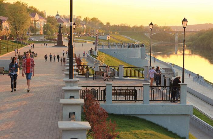 naberezhnaya-dnepra-700x458