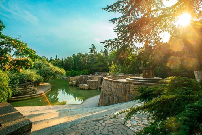 park-doma-otdyha-sudak-700x467
