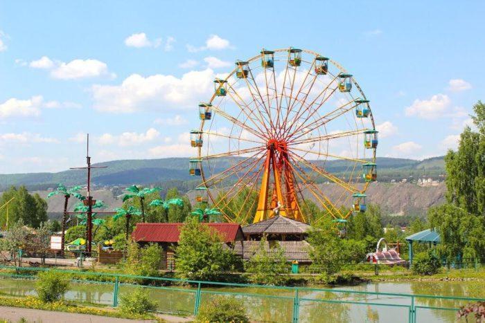 park-flory-i-fauny-roev-ruchey-700x467