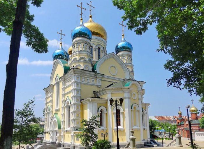 pokrovskiy-kafedralnyy-sobor-1-700x509