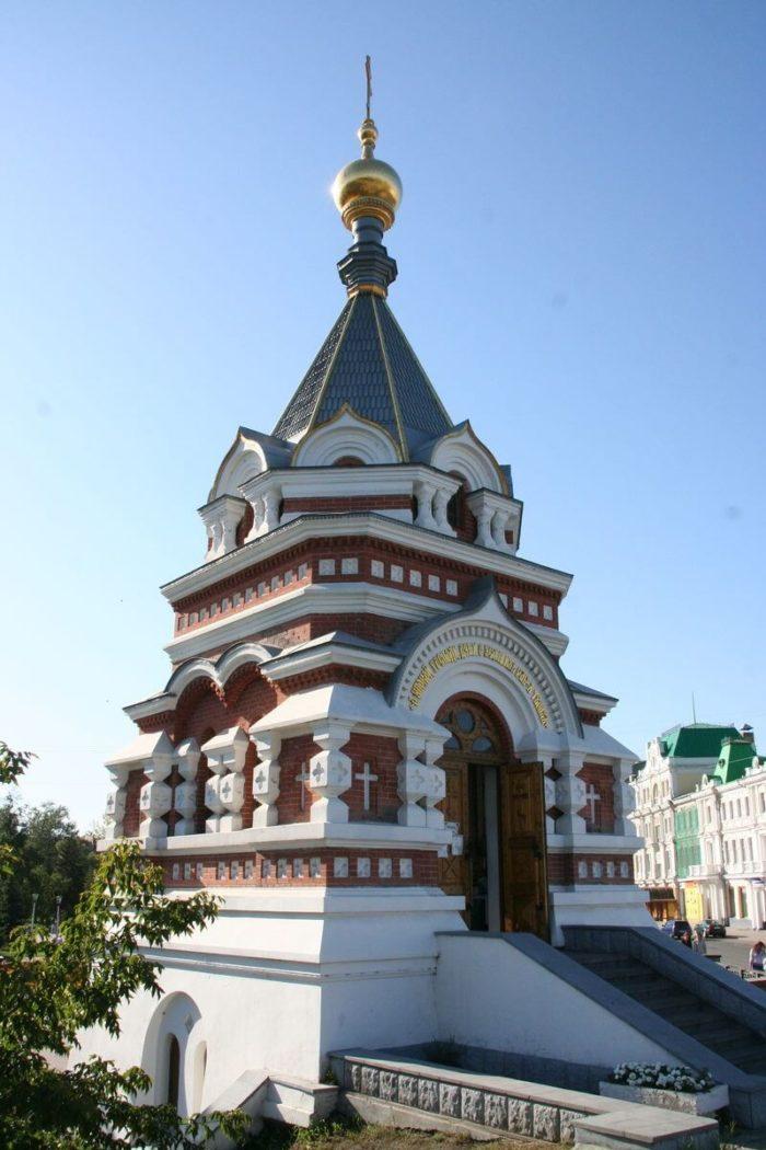 serafimo-alekseevskaya-chasovnya-700x1050