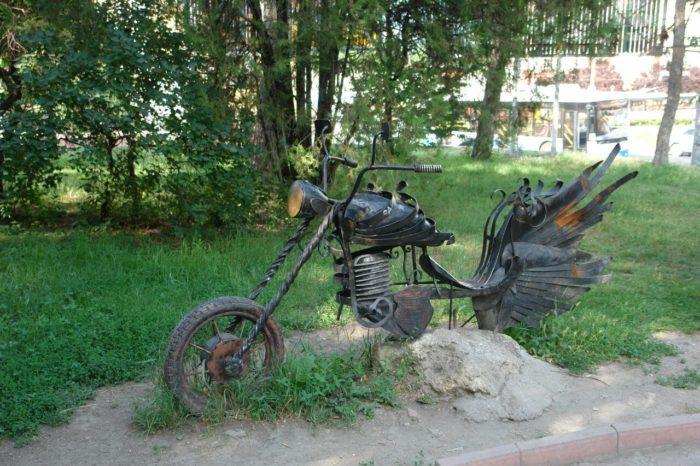 skver-200-letiya-simferopolya-700x466