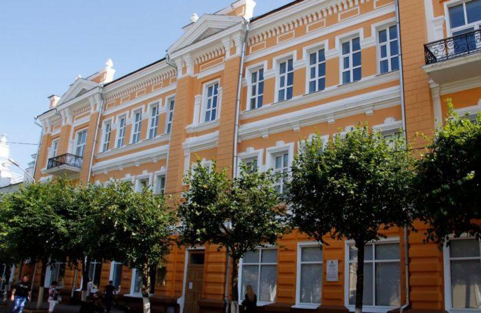 smolenskiy-istoricheskiy-muzey-700x456