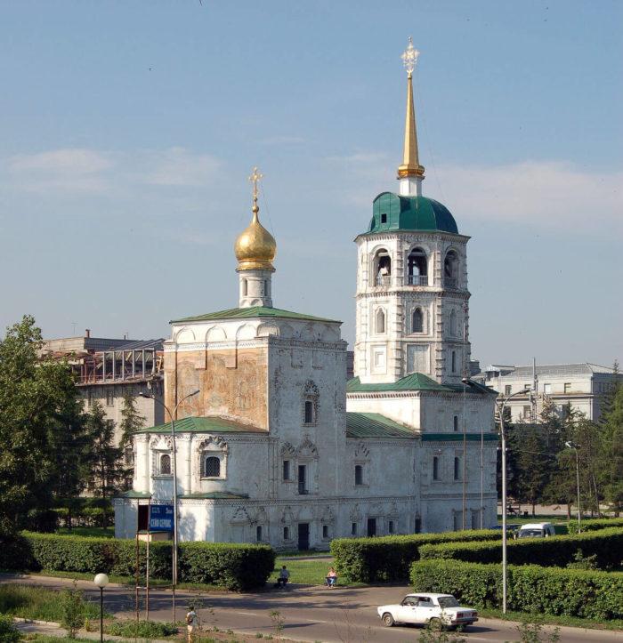 spasskaya-tserkov-700x723
