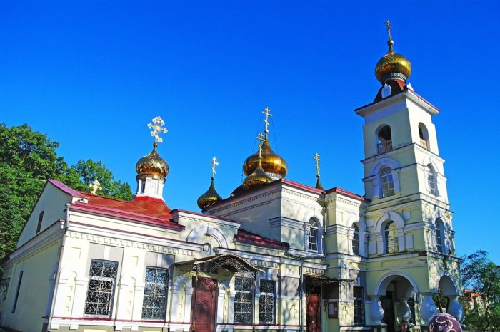 svyato-nikolskiy-sobor-700x466