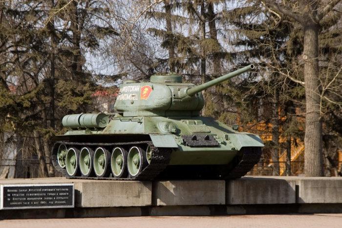 tank-irkutskiy-komsomolets-700x467