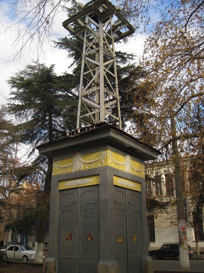 transformatornaya-podstantsiya-tramvaynoy-sistemy-simferopolya-700x934