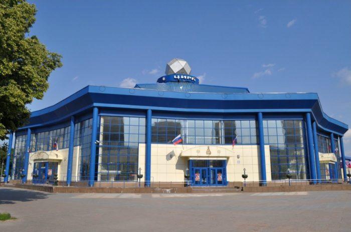 tyumenskiy-gosudarstvennyy-tsirk-700x464