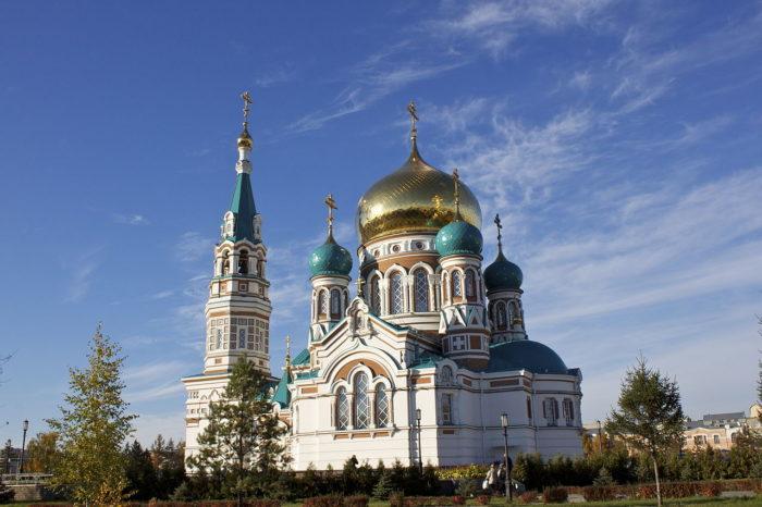 uspenskiy-sobor-700x466