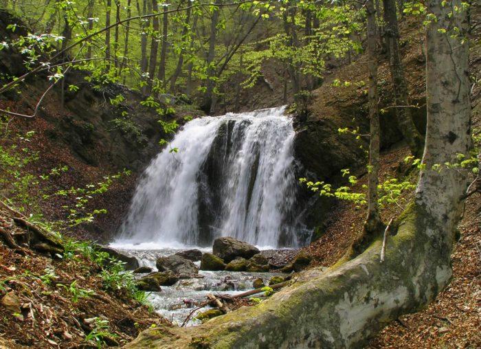 vodopad-golovkinskogo-700x508