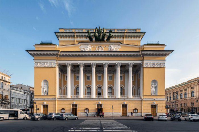 Aleksandrinskiy-teatr-700x464