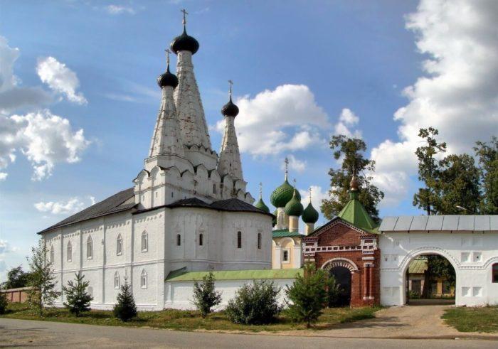 Alekseevskiy-monastyr-700x491