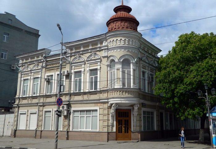 Dom-P.-A.-Nikitina-700x483
