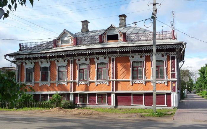 Dom-Pivovarovyh-700x437