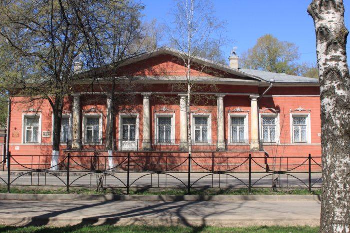 Dom-Volkova-700x467