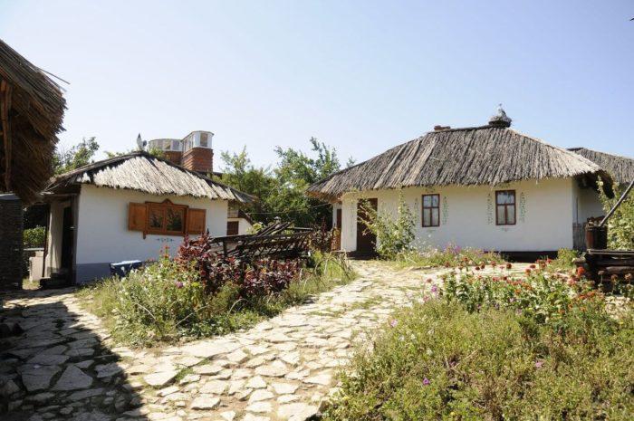 Etno-park-Natsionalnaya-derevnya-narodov-Saratovskoy-oblasti-700x465