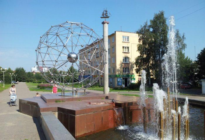 Fontan-Molekula-na-Studencheskom-bulvare-700x481