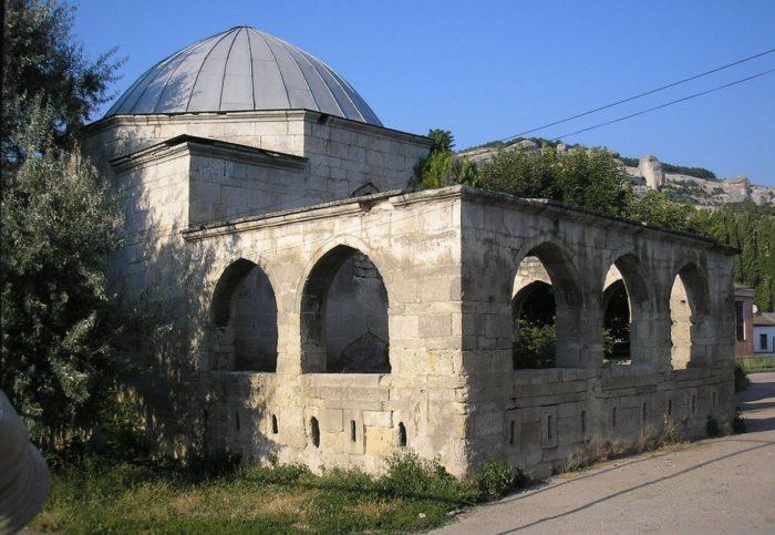 Grobnitsa-Eski-Dyurbe-700x483