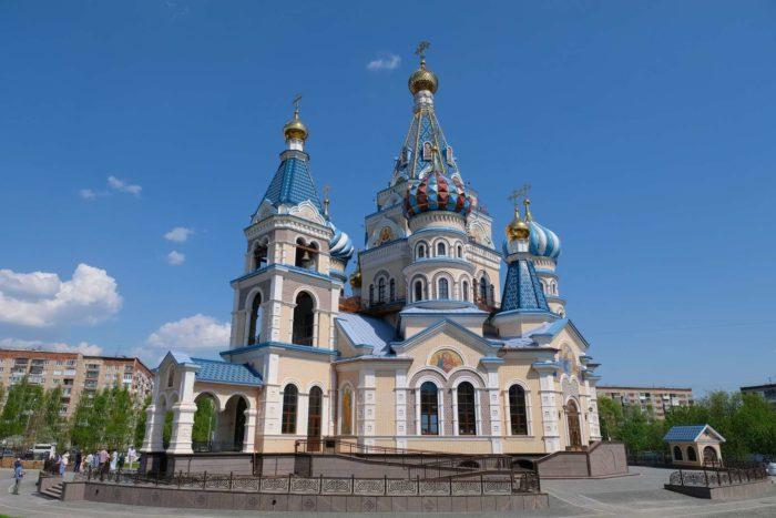 Hram-Iverskoy-ikony-Bozhiey-Materi-700x467