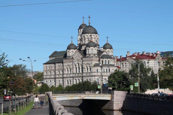 Ioannovskiy-monastyr-700x465