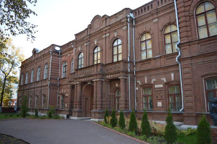 Ivanovskiy-oblastnoy-hudozhestvennyy-muzey-700x465
