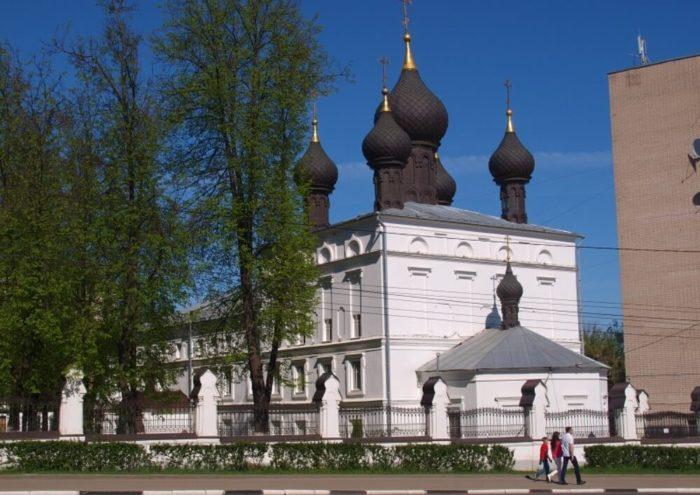 Kazanskaya-tserkov-700x495