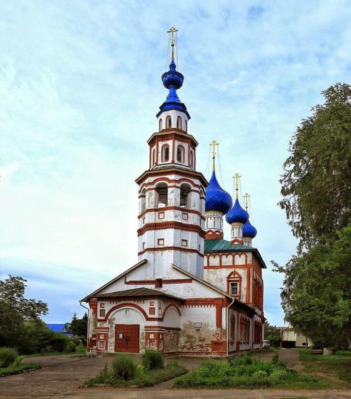 Korsunskaya-tserkov-700x796