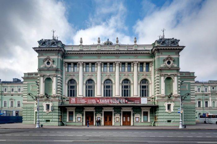 Mariinskiy-teatr-700x465
