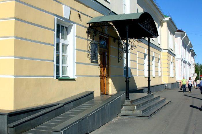 Muzey-izobrazitelnyh-iskusstv-Karelii-700x466