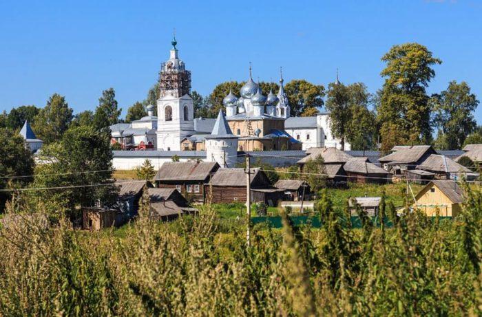 Nikolo-Uleyminskiy-monastyr-700x461