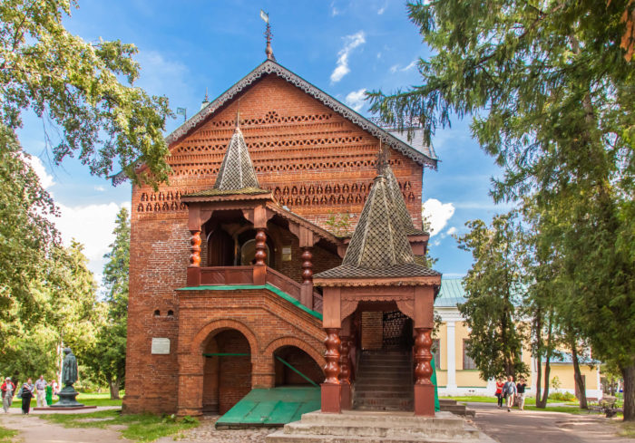 Palaty-uglichskih-knyazey-700x489