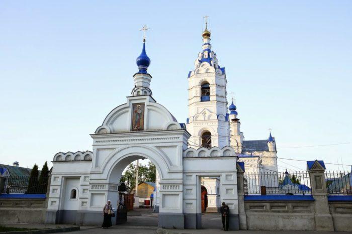 Preobrazhenskiy-kafedralnyy-sobor-700x466