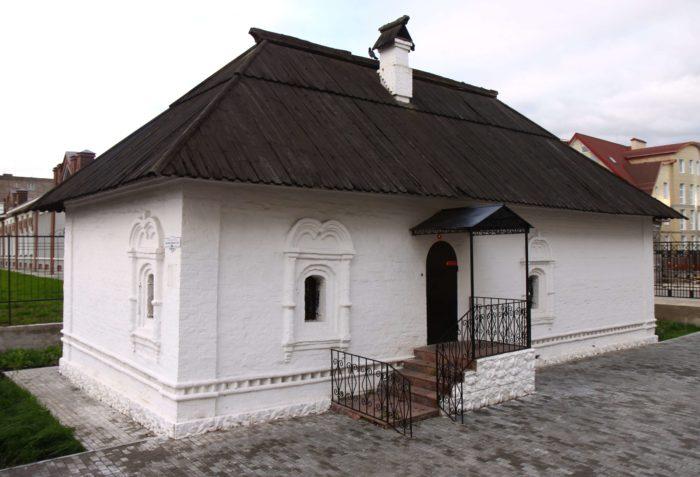 SCHudrovskaya-palatka-700x477