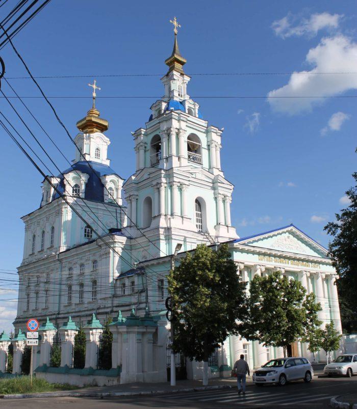 Sergievo-Kazanskiy-sobor-700x803