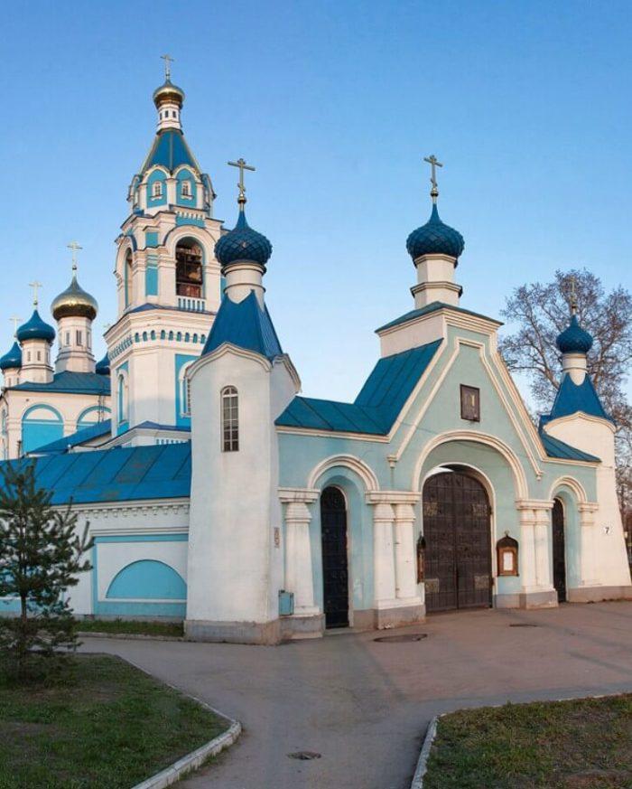 Skorbyaschenskaya-tserkov-700x873