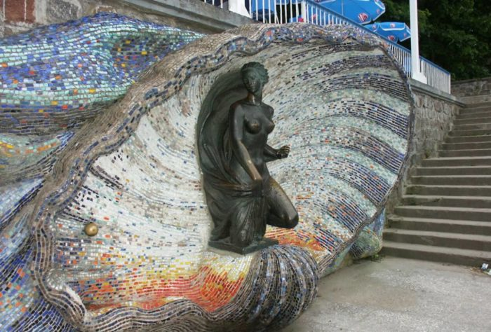 Skulptura-Nimfa-700x474