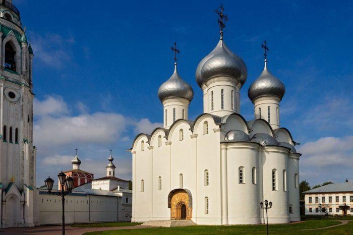 Sofiyskiy-sobor-700x466