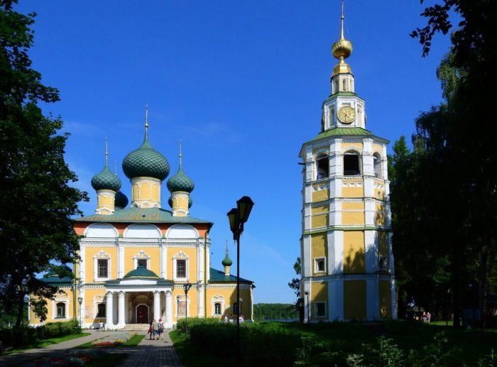 Spaso-Preobrazhenskiy-sobor-700x517