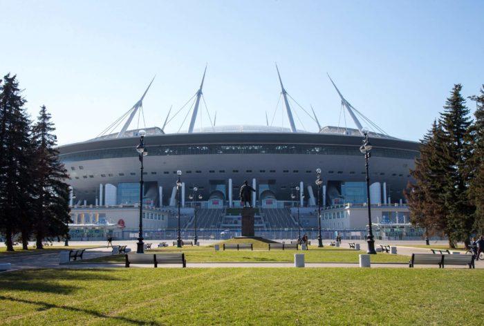 Stadion-Gazprom-Arena-700x472