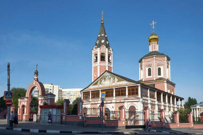 Svyato-Troitskiy-sobor-1-700x467