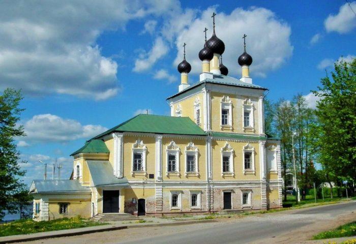 TSerkov-Flora-i-Lavra-700x480