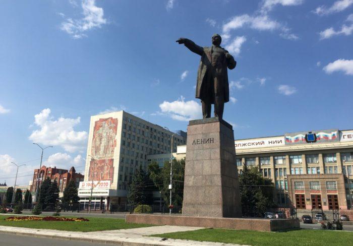 Teatralnaya-ploschad-700x488