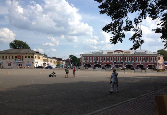 Uspenskaya-ploschad-700x481