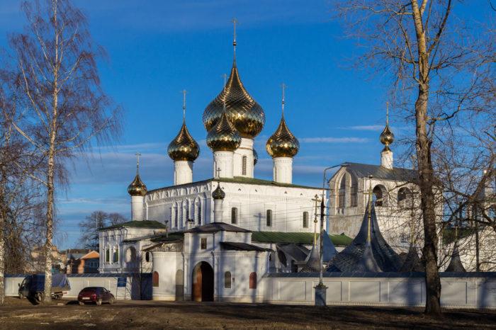 Voskresenskiy-monastyr-700x466