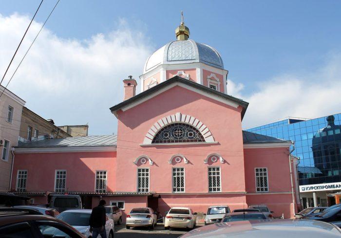 Voskresensko-Ilinskaya-tserkov-700x489