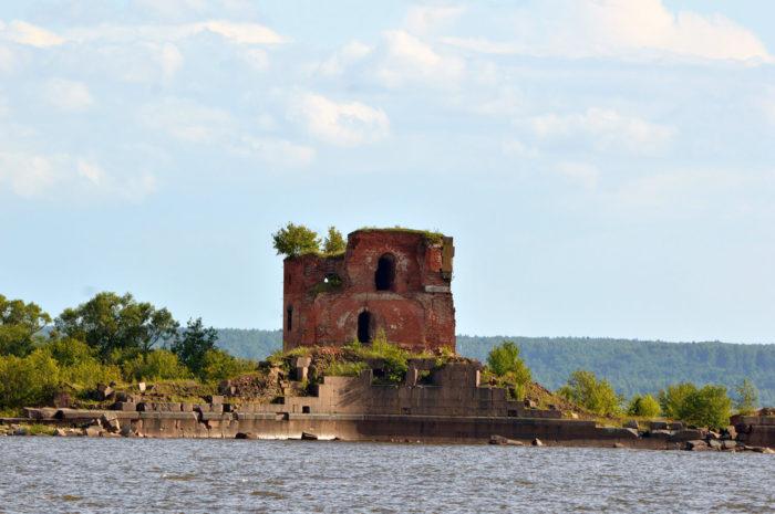 Fort-Pavel-i-700x465