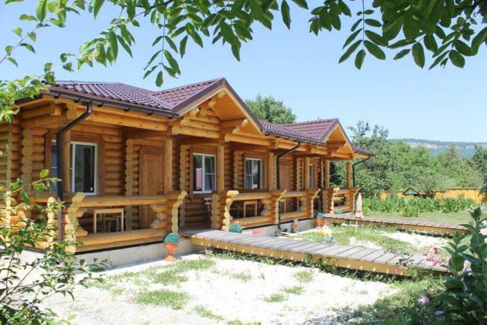 Gostevoy-dom-Kalinka-700x467