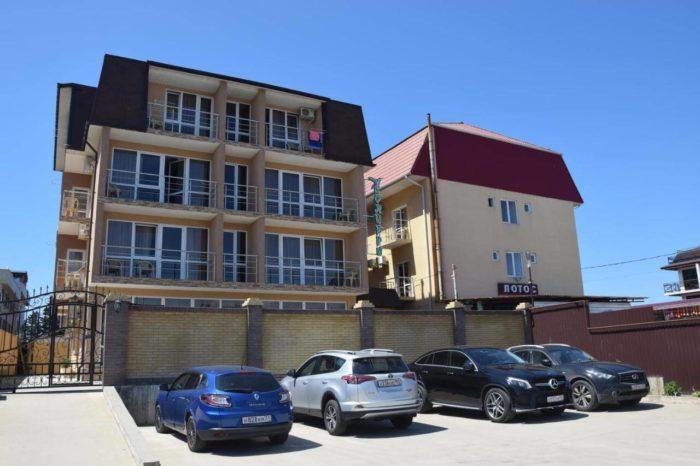 Gostevoy-dom-Kolibri-700x466